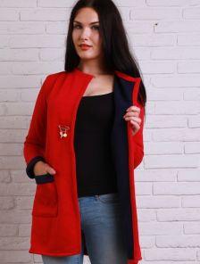 Уютный кардиган сочного красного цвета с черной окантовкой