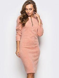 Нежное персиковое платье из теплой ангоры
