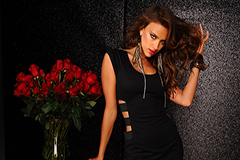 Платье-футляр – многообразие моделей классического фасона