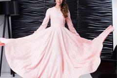 Как выбрать длинное летнее платье для девушек с большой грудью