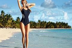Готовимся к пляжному сезону: лучшие слитные купальники для девушек с большой грудью