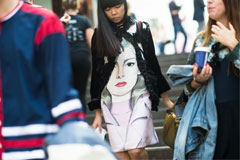 Модный нестандарт: платья с фото и оригинальными принтами
