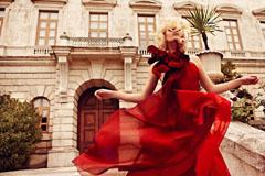 Красное платье – абсолютный хит 2017 года