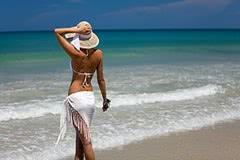 Купальники с юбкой – манифест женственности на пляже