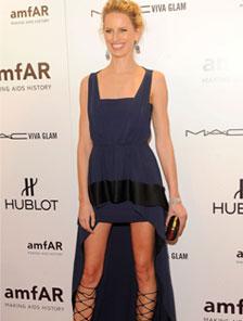Женственная асимметрия: модные летние платья