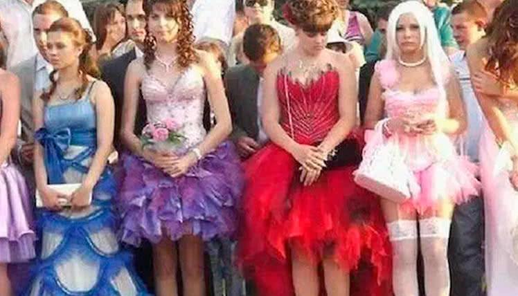 пойти на выпускной в карнавальном платье