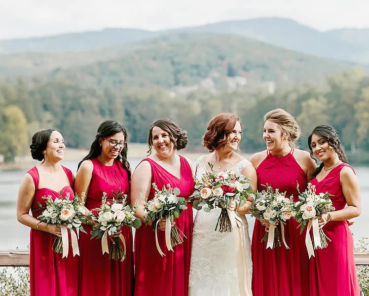 Платья подружек невесты из одного материала