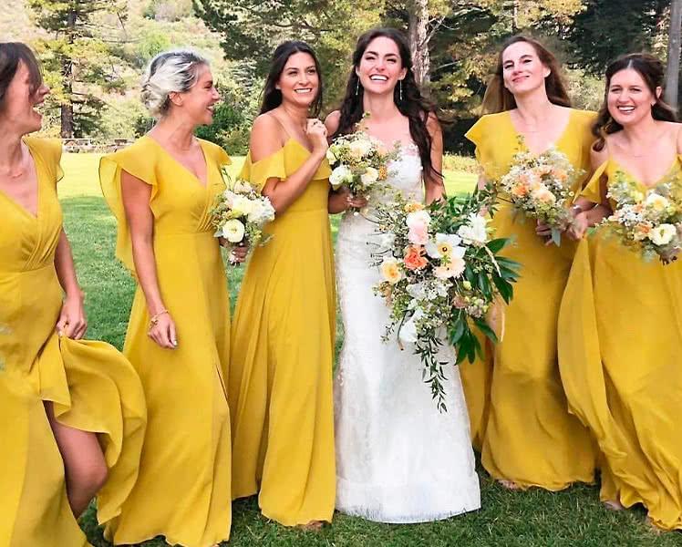 Идеи образов с платьями разного покроя для подружек невесты