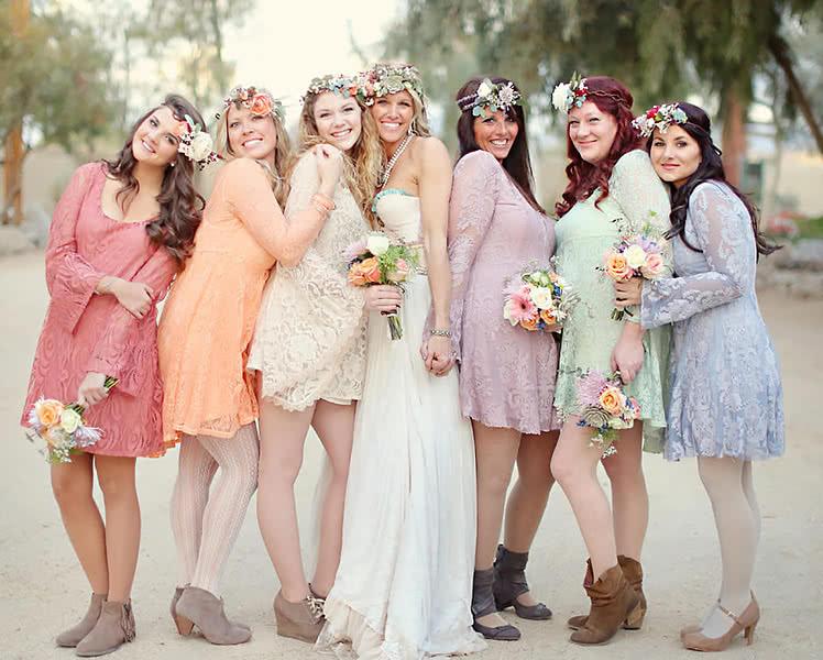 Все платья подружек невесты в одном фасоне