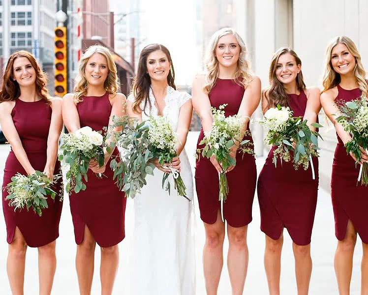 Одинаковые платья подружек невесты