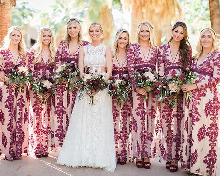 Как выбрать розовые платья для подружек невесты, фото образов