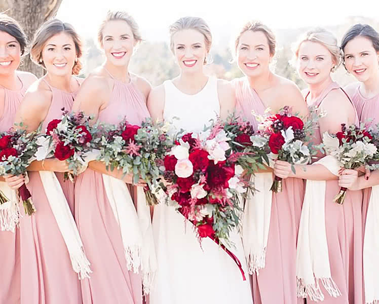 Какие платья-трансформеры выбрать для подружек невесты, фото