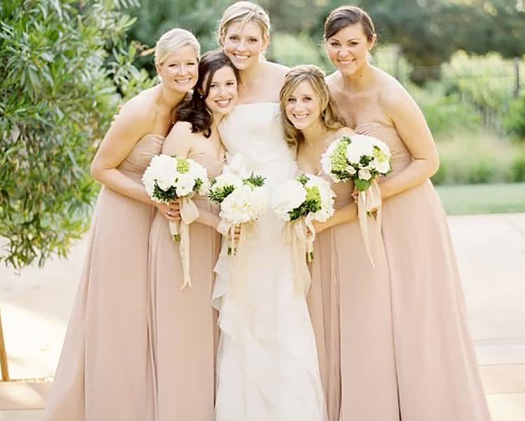Пудровые платья для подружек невесты, фото