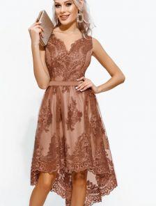 Кружевное ассимеричное платье без рукавов на праздник
