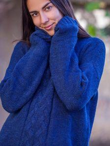 Теплый вязаный удлиненный свитер темно-синего цвета 30% шерсть