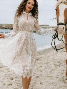 Белое кружевное нарядное короткое вечернее платье