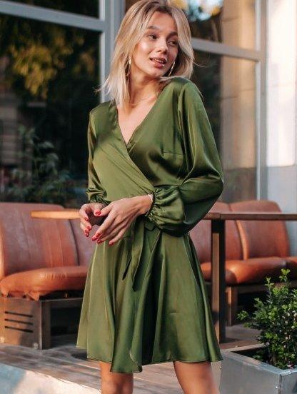 Шелковое короткое платье на запах цвета хаки, фото 1