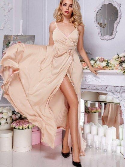 Нарядное длинное вечернее золотое платье с разрезом на бретелях, фото 1