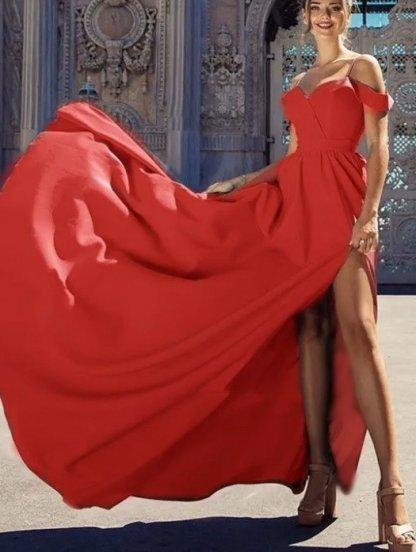 Нарядное красное платье с запахом и окрытыми плечами, фото 1