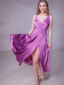 Длинное розовое шелковое коктейльное платье на бретелях