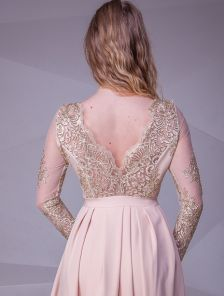 Длинное вечернее кружевное платье с открытой спинкой