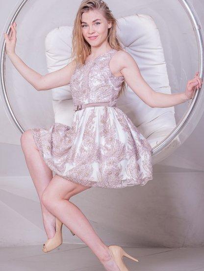 Короткое бежевое коктейльное платье, фото 1