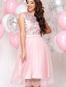 Красивое выпускное короткое светлое платье с пишной юбкой короткий рукав