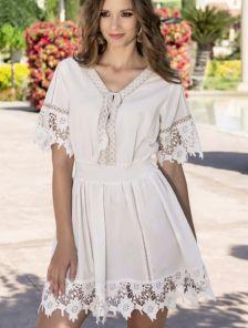 Светлое легкое платье на лето