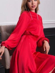 Короткое красное шелковое платье с запахом