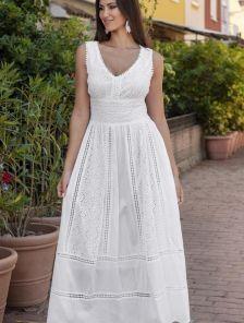 Белое хлопковое длинное нарядное платье с кружевом на лето