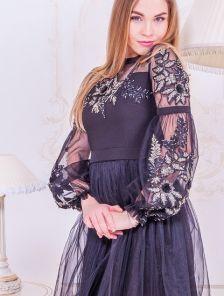 Короткое темное коктельное платье