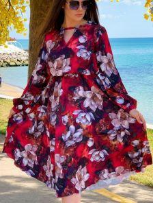 Нарядное светлое платье миди большого размера с цветами и рукавом