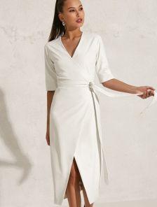 Нарядное белое платье миди длины на праздник