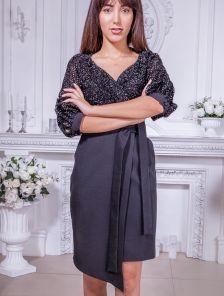 Платье-костюм в черного цвете с рукавом 3\4 с имитацией запаха