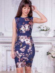 Синее короткое платье футляр с цветочным принтом
