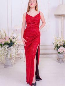 Вечернее блестящее красное платье с декольте и разрезом