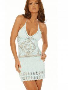 Голубое короткое вязаное пляжное платье с открытой спиной