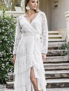 Хлопковое нарядное белое нарядное платье с кружевом и оборками