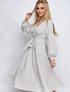 Летнее белое платье до колен на длинный рукав