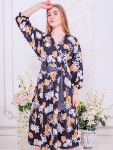 Черное короткое платье с цветами на длинный рукав