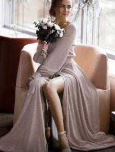 Вечернее розовое блестящее платье в пол на длинный рукав