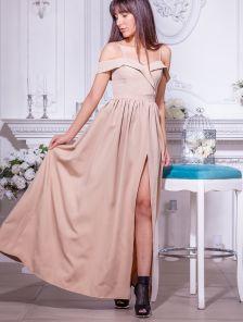 Нарядное бежевое платье с запахом и открытыми плечами