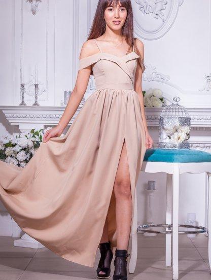 Нарядное бежевое платье с запахом и открытыми плечами, фото 1