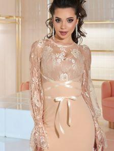 Нарядное короткое платье с кружевным верхом