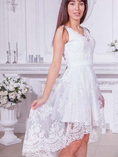 Белое кружевное ассимеричное платье без рукавов, фото 1