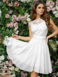Короткое белое летнее нарядное платье из шифона