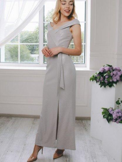 Вечернее серебристое платье с открытыми плечами и разрезом, фото 1