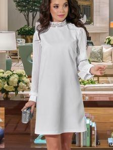 Короткое белое свободное платье