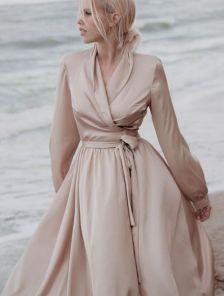 Вечернее длинное бежевое платье с длинными рукавами