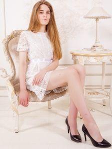 Нарядное белое кружевное платья на короткий рукав